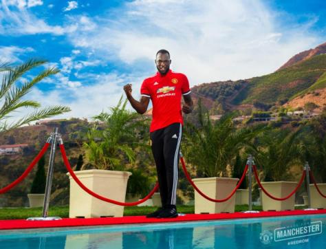Romelu-Lukaku-Manchester-United-2-700x536